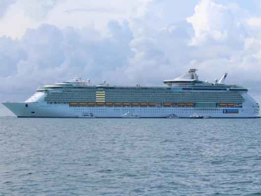 Круизный лайнер «Independence of the Seas», Белиз