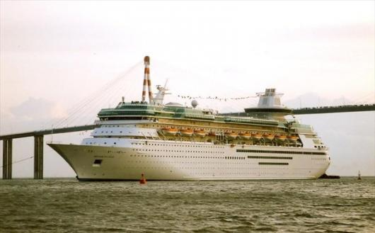 Круизный лайнер «MONARCH OF THE SEAS»