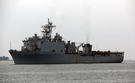 USS «Carter Hall» (LSD-50) прибыл в Киль