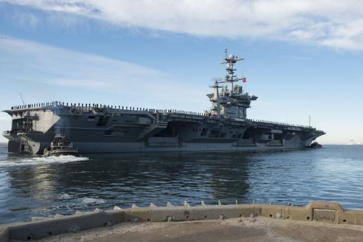 USS «Harry S. Truman» (CVN-75) покидает Норфолк