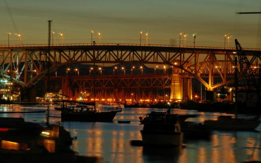 00289_bridgesatnight_2560x1600.jpg