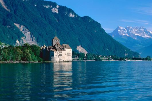 chateau_de_chillon_lake_geneva_switzerland.jpg