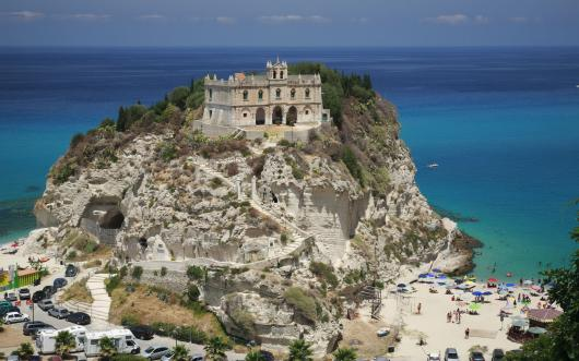 church_of_holy_maria_of_the_island_isolates_attractive_italy.jpg