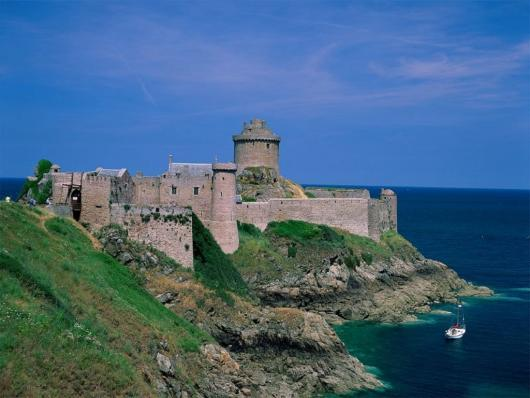 fort_la_latte_brittany_france.jpg
