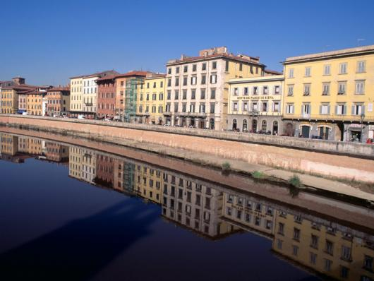 mirrored_pisa_italy.jpg