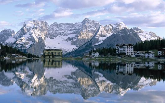 misurina_lake_sorapiss_peaks_and_the_dolomites_italy.jpg