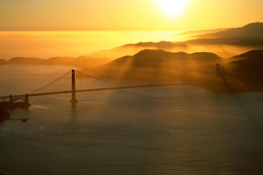 056398_san_francisco_voda_most_vecher.jpg