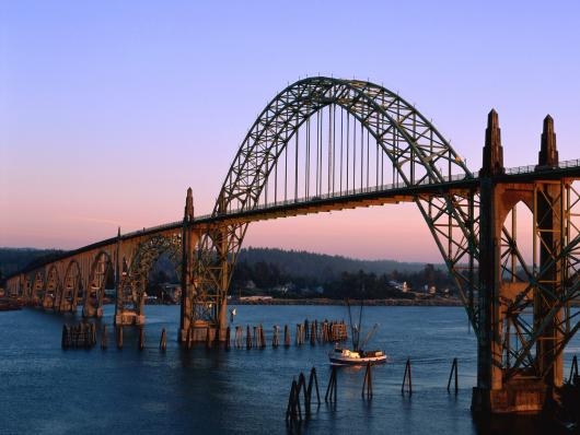 yaquina_bay_bridge_newport_oregon.jpg